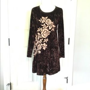 Uncle Frank Velvet long sleeve embroidered dress